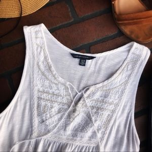 American Eagle Outfitters Tops - ✨AEO Adorable WHITE TOP... gold stitching